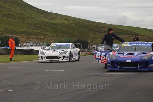Will Burns and Mark Davies on the Ginetta GT4 Supercup grid at the BTCC Knockhill Weekend 2016