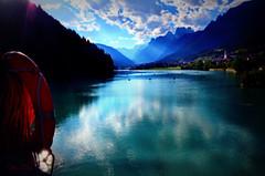 ... (♥danars♥) Tags: acqua auronzo bellunese effettoorton lago riflessi salvagente sole raggi cadore diga