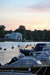 IMG_0074 (www.ilkkajukarainen.fi) Tags: hakaniemi suomi europa eu scandinavia visit finland vene outboardmotor motor moottori yamaha mustang mercury johnson kaisaniemi meri sea happy life tuuli lasi poiju kysi ranta kuomu cabin