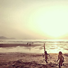 A la carrera #larrabasterra #estaes_playas #sky_sea_sunset #lagildadelnorte #bilbosoulchallenge #bilbosoul (ines valor) Tags: instagramapp square squareformat iphoneography uploaded:by=instagram valencia