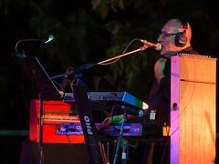 Antonella Ruggiero (GD-GiovanniDaniotti) Tags: antonellaruggiero antonella colombo genova ricci bazar concerto orto basso synth mark harris vacanze braccia tastiere barba stage mani cantante donna milano citt rock pop jazz blues
