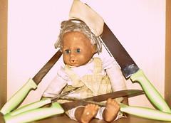 2016-07-17_08-28-31 (molinari.gaia) Tags: baby doll knife saturation knives