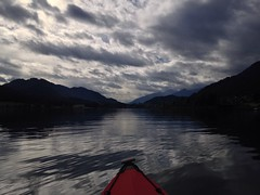 Navigando tra terra e cielo (micniel) Tags: lake orizzonte lago weissensee austria klepper