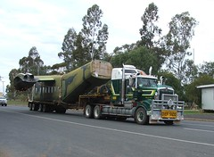 Caribou A4-225 Westbound (Dulacca.trains) Tags: raaf airforce caribou c7a australian plane airplane southaustralianaviationmuseum preserved dulacca queensland transport wideload kenworth a4225