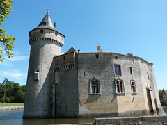 Promenade au château de La Brède, mercredi 10 août 2016. (Guillaume Cingal) Tags: labrède gironde montesquieu