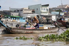 Drinks For Sale (SAM601601) Tags: cairang floatingmarket vietnam mekong river sam601601 boat delta