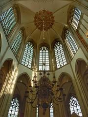 Grote Kerk Breda (sander_sloots) Tags: grote kerk breda koor gewelf kroonluchter glasinloodramen choir church vault glass stained windows brabant brabantse gotiek brabantine gothic or onzelievevrouwekerk protestants protestant