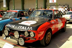 #84 Lancia Fulvia 1.3 HF 1975 (seb !!!) Tags: auto old red italy black paris france rot cars race canon rouge photo rojo italian automobile italia 2000 noir foto tour image negro picture competition grand voiture racing preto course vermelho 1975 palais hood seb gt bild 13 schwartz oldtimers rosso nero italie imagen fulvia coup capot lancia imagem ancienne automvil 84 optic hf anciennes wagen automobil capucha youngtimers 2015 automvel italienne elefantino cap cappuccio 1100d abzugshaube