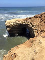 Sunset Cliffs Keyhole (valeehill) Tags: sandiegocounty pointloma sunsetcliffs pacificocean rockformation
