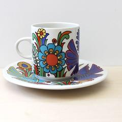 Acapulco. (Kultur*) Tags: cup kitchen vintage design colorful european flat tea drink milano cups acapulco porcelain sets saucer drinkware villeroyboch villeroy boch barware vintagehousewares