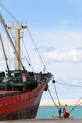IMG_5472 (grard Laurent) Tags: port italie monopili pouilles navire bateau marins mer mditerrane