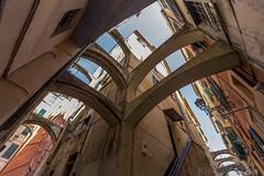 San Remo, Italia (kike.matas) Tags: canoneos6d kikematas canonef1635f28liiusm sanremo italia calle arcos casas edificios ciudad paisaje canon lightroom4