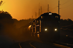 UP4107_Q614_PalmettoGA_01_web (fullreversal) Tags: 4107 csxt ga q614 up glint palmetto sd70m sunset