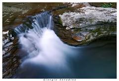 cascatella caporetto (Giorgio Serodine) Tags: cascatella caporetto slovenja rocce massi acqua movimento salto fiore foglie canon grandangolo