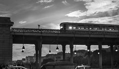 Paris, Pont de Bir-Hakeim (Luc Mercelis) Tags: paris cityscape citytrip cityoflight blackwhite blw metro metrostation sonyslt77v minoltaprimelens24mm primelens