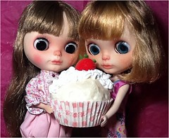 Blythe-a-Day May#12: Favorite Food & #26: What's Your Vice? Matisse & Marcelle Deliberate...
