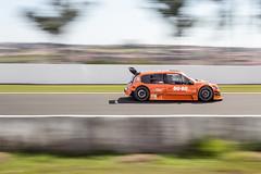Mais velocidade (Vinicius_Ldna) Tags: brazil race speed canon 50mm racing panning velocidade autodromo londrina 9369