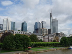 201606015 Frankfurt/ Main (taigatrommelchen) Tags: city sky building skyline clouds river germany frankfurt main icon 20160624