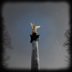 Remember Munich - The Angel of Peace. (joseph_donnelly) Tags: munich engel angel peace frieden bayern bavaria germany mnchen remember tragedy attack deutschland memory sadness trauer