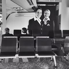 Waiting for the flight 03 (jokinzuru) Tags: azafata