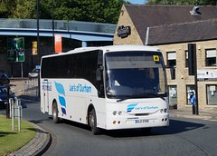 Lee's of Durham: ELZ 3700 (Northern Transport Photos) Tags: nebuses leesofdurham durham durhambusstation coach elz3700