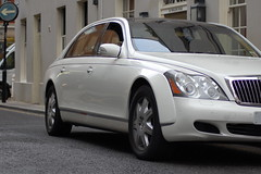 Maybach 62 (D's Carspotting) Tags: white london united kingdom 62 maybach 1r 20110617
