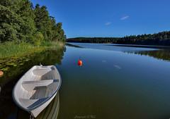 _MAL1307 (Markoliini) Tags: nikon d800e tamron 1530 natur nature luonto vene bt boat sj lake jrvi
