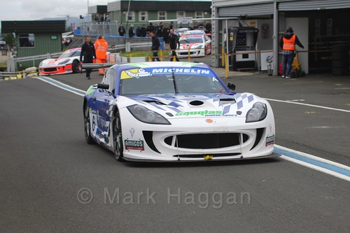 Chris Ingram in Ginetta GT4 Supercup at the BTCC Knockhill Weekend 2016