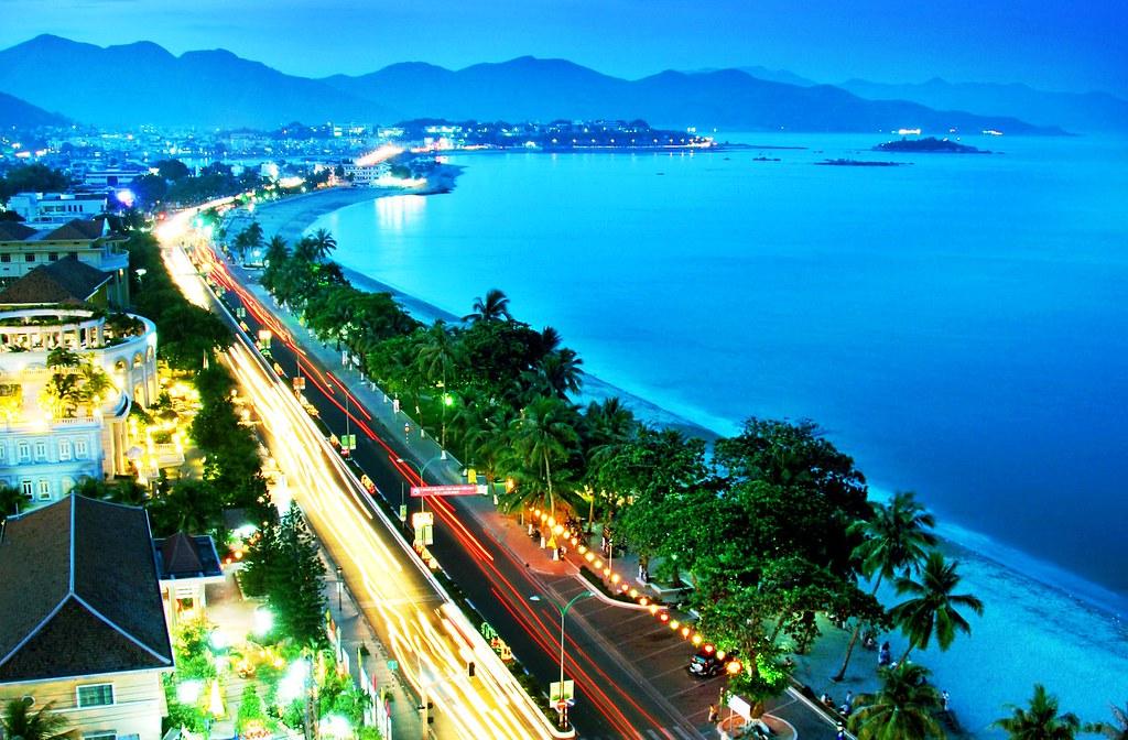 Thành phố Nha Trang là một điểm đến cực kì đắt trong dịp nghỉ lễ kéo dài và nắng nóng này