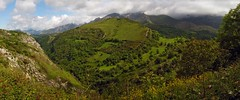 Picos de Europa (carlinhos75) Tags: naturaleza primavera nature spring nikon asturias paisaje montaas panormica picosdeeuropa p5000