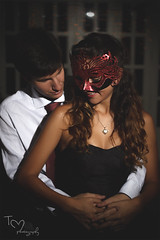 Estefania y Gabriel (Tc photography. Per) Tags: red love boyfriend 50mm lights hands hug girlfriend couple photoshoot heart mask bokeh interior happiness valentine romance lovers inlove tcphotography
