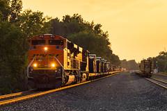 CSX W865 Clinton, OH (Nolan Majcher) Tags: new sunset ohio castle train clinton military sub baltimore oh bo warwick bnsf csx w865