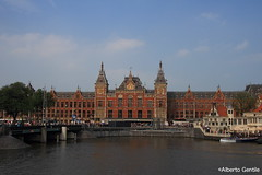 IMG_8220 (alberto.gentile89) Tags: netherlands holidays happyness amsterdam station centraal trains