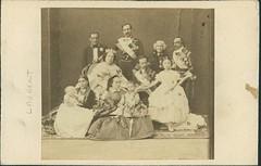 "Jean Laurent., ""La familia real espaola"" (carte de visite, ca. 1860) (Museo del Romanticismo) Tags: jean museo historia laurent xix fotografa siglo romanticismo"