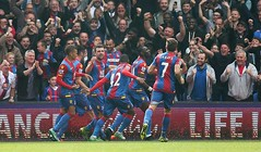 palace goal (MekyCM) Tags: soccer premier league football premierleague england wales britain unitedkingdom arsenal chelsea liverpool mancity united futbol futebol barclays leicester pitch supporters celebration southampton palace westham everton spurs newcastle stoke swansea sunderland watford westbrom bournemouth norwich villa