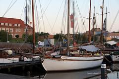 1-IMG_3691 (hemingwayfoto) Tags: anleger bremerhaven deutschland frh hafen morgens norddeutschland nordsee schiff schifffahrt schiffsmast segeln segelschiff sport sportboot verkehr