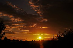 Another gorgeous sunset... (Sundornvic) Tags: sunset clouds light sun shine red gold evening silhouette