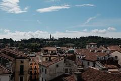 Vicenza, domenica. (matteococco) Tags: vicenza vista view panorama fuji xt10 colline hills sole sun tetti roofs chiesa church