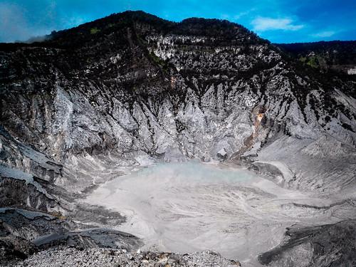 Tangkuban Perahu, Lembang, West Java. #mountain #crater #lembang #westjava #trekking