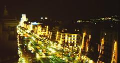 1997-11-22 Barcellona 30 Casa Mil (MicdeF) Tags: barcellona casamil geo:lat=4138506390 geo:lon=217340350 geotagged nikon novembre1997 scan scansione casamil dia diapositiva slide vecchiefoto