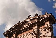 Duomo di Mantova - San Pietro Apostolo (max.fontanelli) Tags: mantova mantua chiesa church cattedrale cathedral duomo dome panoramica arte art scultura sculpture nuvole cielo sky clouds azzurro blue