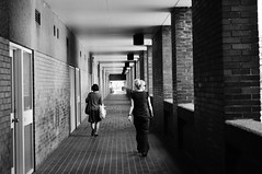 DSC_9868 (coffeebucks) Tags: barbican barbicancentre brutalism modernism barbicanestate cityoflondon london architecture chamberlinpowellandbon lakesideterrace blackandwhite peoplewatching