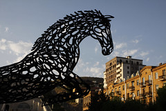 Jerevan  Sundag 17. juli, 2016 (dese) Tags: horse hest hesten thehorse jerevan sundag july17 2016 cascade yerevan horseshoes armenia sculpture skulptur july summer  cavallo konj pferd hst caballo