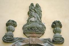 relif nad vchodem do kostela, Niemojw, Polsko (Ondra Brabec) Tags: kostel niemojw polsko poland polska relif