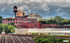 Chateau d'eau / Water tower, Montreal (yravaryphotoart.com) Tags: canon7d canonef70200mmf28lisiiusm yravaryphotoart yravaryphotoartcom montréal hdr hochelagamaisonneuve mercier usine châteaudeau watertower groverknittingmillsltd