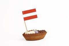 Barchette dolci (Austria) (/claudiolanzi1982) Tags: austria confetti latte crema dolci pasticceria zucchero cacao uova pasticcino barchette pastafrolla pastarella stuzzicadenti bandieraeuropa