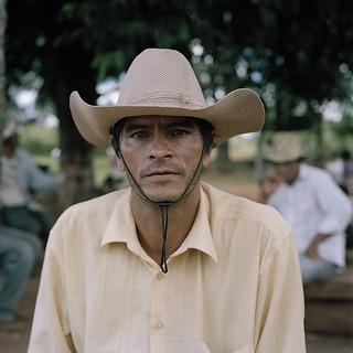 Campesino_en_la_Terza_Cué,2014©JRCirera_CourtesyIvoryPress