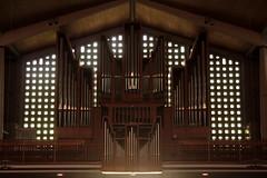 Orgel - Kirchenorgel der Weststadtkirche Solothurn ( Gotteshaus katholisch - Baujahr 1951 - 1954 - Geweiht St. Marien - Marienkirche Kirche Chiuche ) in der Stadt Solothurn ( Soleure Soletta ) im Kanton Solothurn der Schweiz (chrchr_75) Tags: christoph hurni schweiz suisse switzerland svizzera suissa swiss chrchr chrchr75 chrigu chriguhurni juni 2015 hurni150603 albumzzzz150603velotourbielsolothurn albumkirchenundkapellenimkantonsolothurn kantonsolothurn kirche church eglise chiesa chriguhurnibluemailch albumzzz201506juni juni2015 albumkirchenorgelnderschweiz kirchenorgeln kirchenorgel orgel organ organe urut orgán organo 臓器 órgão órgano musik music musikinstrument instrument chiuche iglesia kirke kirkko εκκλησία 教会 kerk kościół igreja церковь église temple