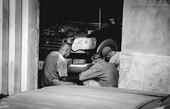 Men at Work (Lex Arias / LeoAr Photography) Tags: street blackandwhite bw blancoynegro monochrome monocromo calle nikon venezuela fineart streetphotography monochromatic bn barquisimeto 2016 callejera fotografacallejera nikond3100 everybodystreet leoarphotography lexarias iglexariasphotos