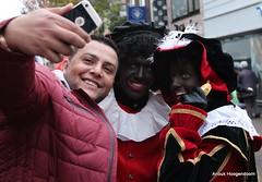 Making a picture with a refugee (Hoogendoorn, A.) Tags: sinterklaas den rijn aan alphen